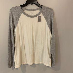 Aerie white long sleeve with gray sleeves